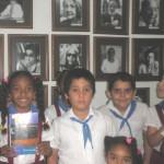 Escolares en la Galería de Autores Eduardo Muñoz Bachs