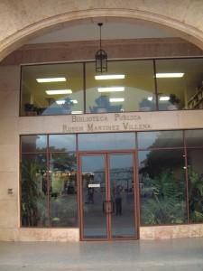 """Fachada de la Biblioteca Pública Provincial """"Rubén Martínez Villena"""""""