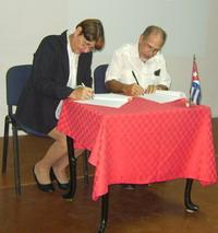 Firma de convenio UNHIC