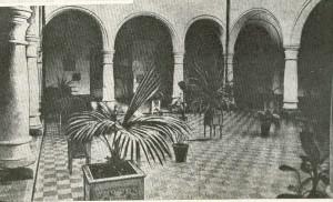 patio_central_hospital_san_francisco_de_paula
